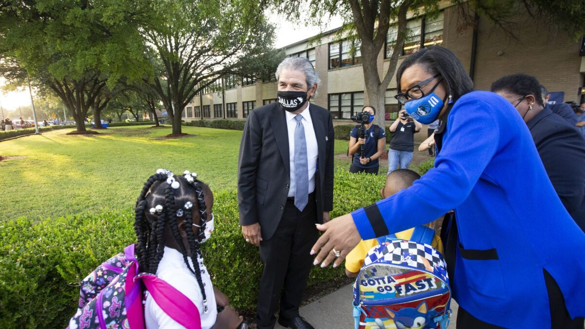 Dallas ISD Superintendent welcoming students back on the first day of school